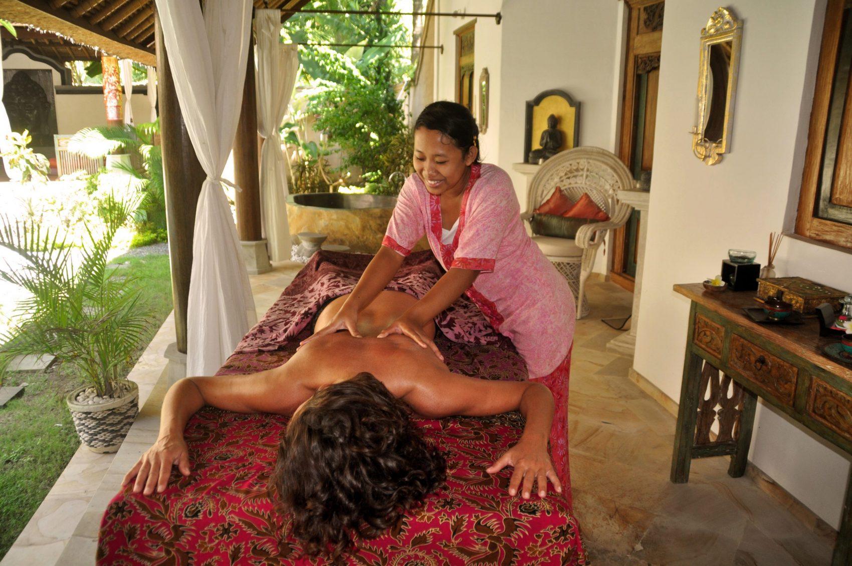 Massages with Putu
